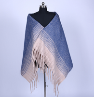 How to Tell the Differences between Shawl and Scarf?